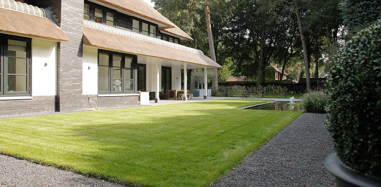 Moderne villa tuin in Zeist I Martin Veltkamp Tuinen