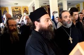 """Preotul Staicu """"îl livrează"""" consistoriului pe un preot nepomenitor, admițându-i caterisirea nepronunțată"""