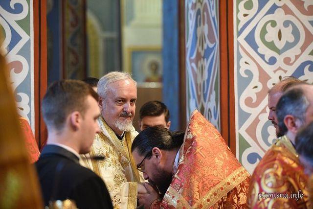 Ierarh al Patriarhiei Constantinopolului a coslujit cu un schismatic din Muntenegru