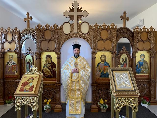 Cateheza Părintelui Cosmin Tripon despre îngenuncherea în biserică