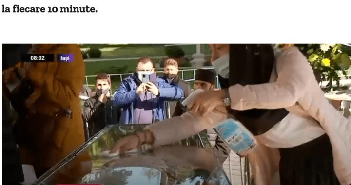 """Mitropolia Moldovei o batjocorește pe Cuvioasa Parascheva prin """"dezinfectarea"""" raclei Sfintei, arătându-și necredința și iconoclasmul"""