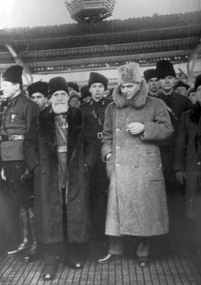 Zizi Cantacuzino si Nae Ionescu la gara Mota Marin 11 Feb 1937