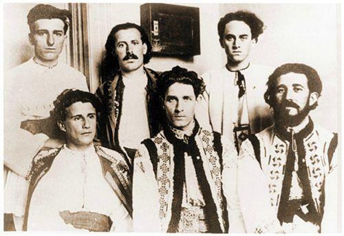Corneliu-Zelea-Codreanu-si-Vacarestenii