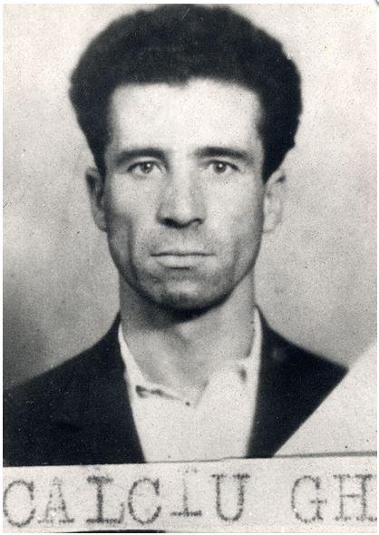 11-parintele-gheorghe-calciu-marturisitorii-ro-la-arestare
