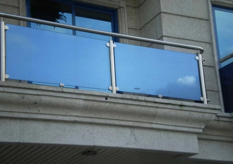 Parapetto in vetro esterno