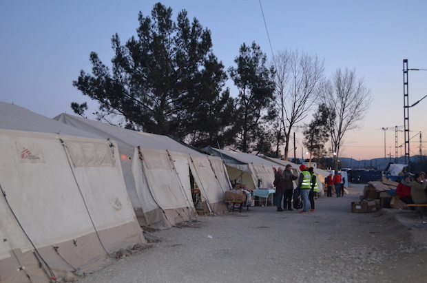 doctors without borders refugees greece