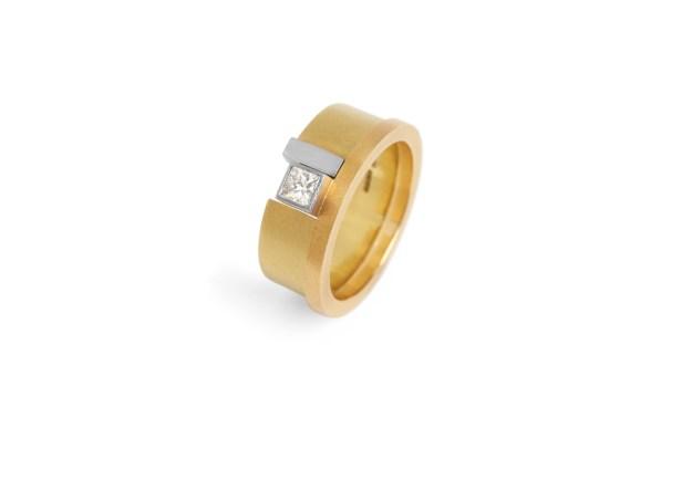 Preva Slide Square Diamond Ring