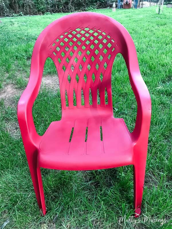 how to paint plastic chairs office chair arms replacement spray an easy makeover marty s musings don t throw away that ugly outdoor furniture this diy anyone can