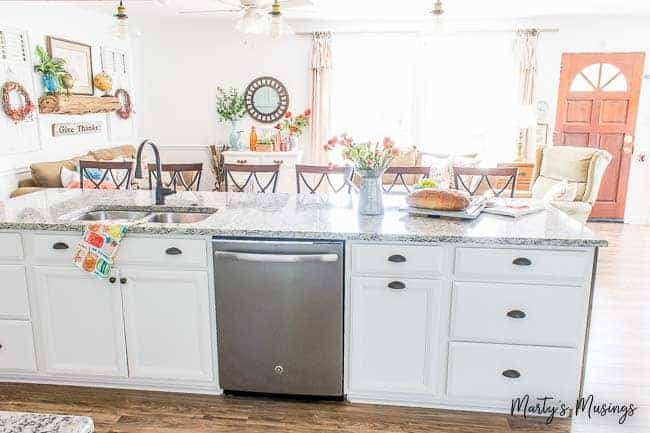 kitchen cabinet knobs shaker style how to choose hardware what you need know learn whether re designing a from scratch