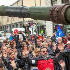 Keine Bundeswehr auf Volksfesten!