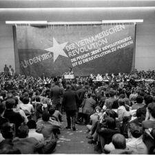 1968: Funken einer großen Explosion