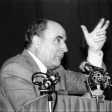 Die Bosse schlugen zurück  – Mitterand und der »Sozialismus in 100 Tagen«