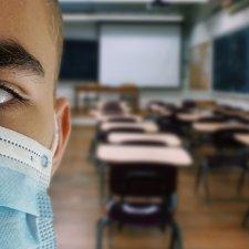 Infektionsrisiko Schulen: Staatliche Corona-Party