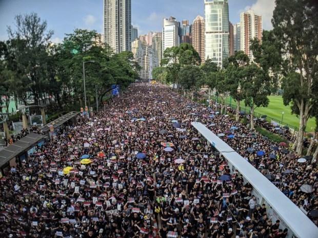 A liderança de qualquer movimento de protesto em massa tem uma enorme responsabilidade sobre seus ombros. Imagem: Studio Incendo