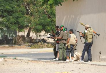Militia fightin Ghadaffi loyalists in Tripli - Photo:Ammar Abd Rabbo