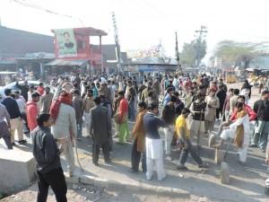 UD workers blocked LHR-SKP road 01