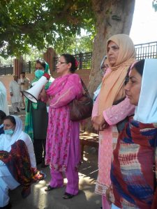 Young Nurses Multan protest 6th day (01)