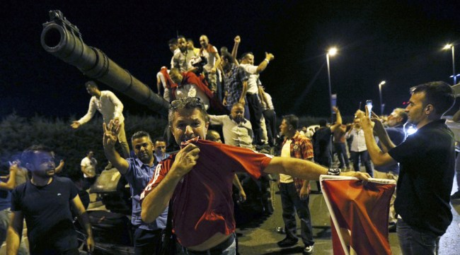 AKP supporters taking over an army tank