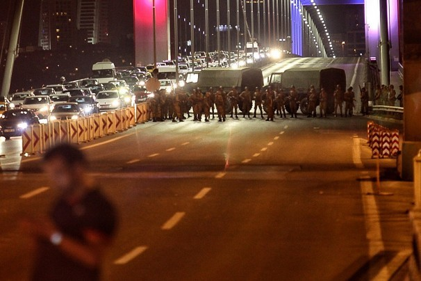 Turk Army rebellion Group Blocked Basphorus bridge