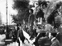 پیٹروگراڈ سوویت کی میٹنگ کے موقع ٹراٹسکی کی تقریر