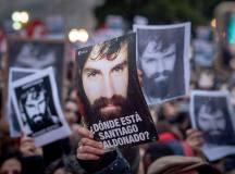ارجنٹائن: سماجی کارکن سانتیاگو ملڈوناڈو کی جبری گمشدگی نے میکری حکومت کو مشکل میں ڈال دیا