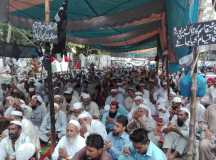 کراچی: 9 ماہ سے تنخواہوں کی عدم ادائیگی کیخلاف پورٹ قاسم کے ڈاک ورکرز کا احتجاجی دھرنا