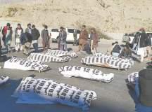 بلوچستان: مچھ میں سیکورٹی اداروں کے حصار میں دس ہزارہ کان کنوں کا قتل، ذمہ دار کون؟
