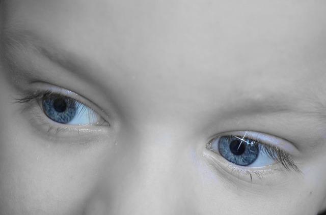 blue eyes of a kid