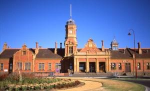 maryborough-railway-station-day
