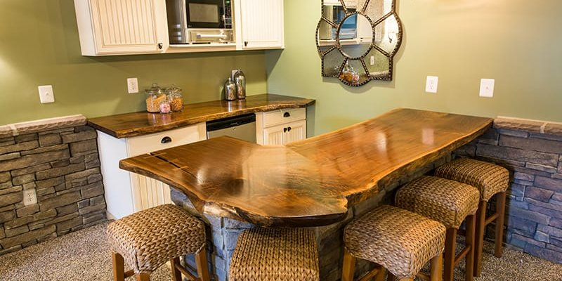 Complete Your Man Cave with Custom Bar Countertops