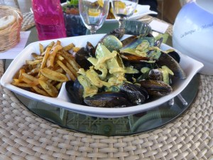 John's yummy moules with setoise sauce and soggy fries
