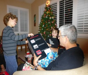 Nathan and Sam help Zayde unwrap a new blender