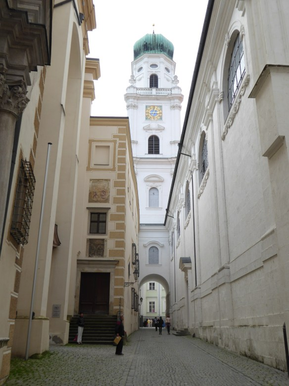 Approaching St. Stephen's