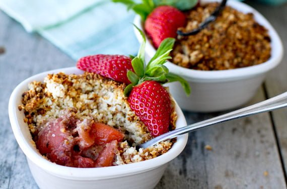 apple_strawberry_crumble_paleo