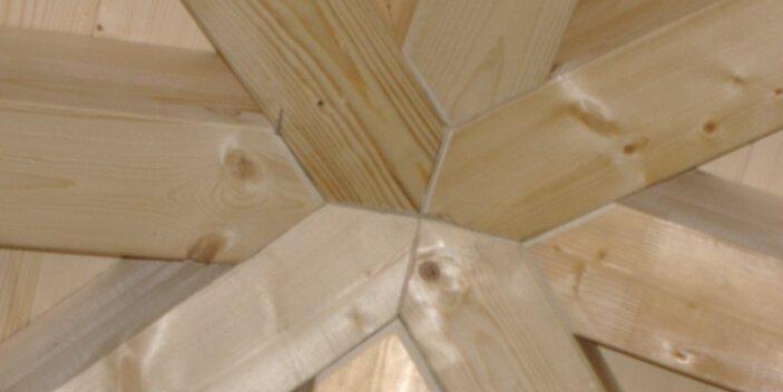 Costruzione e riparazione tetti in legno a Biella