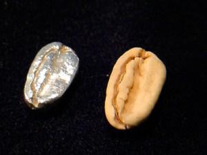 豆と比べるとこんな感じです。