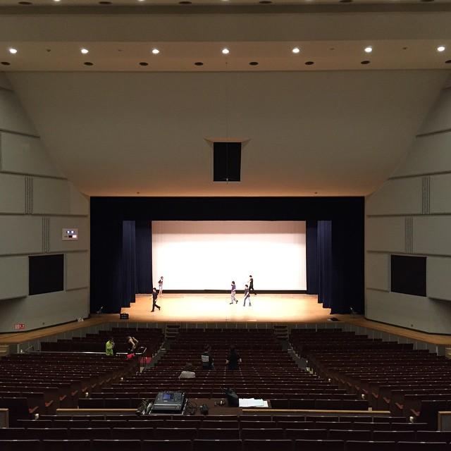 ちょっと前に帰って来ました。今日は昭島で稽古見でした。今回は数は少ないけど、映像制作部分がテコそうだ......
