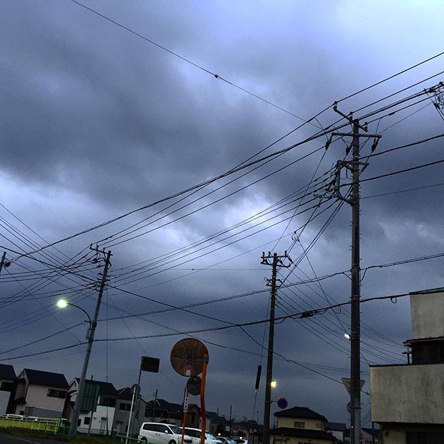 雨の予報は無いけれど、雲多め。