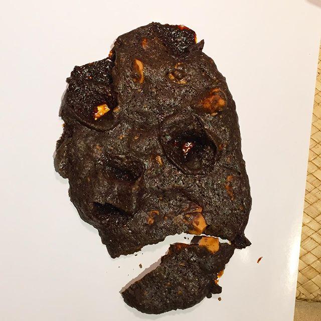 溶岩クッキー、割れたらちょっと怖いw
