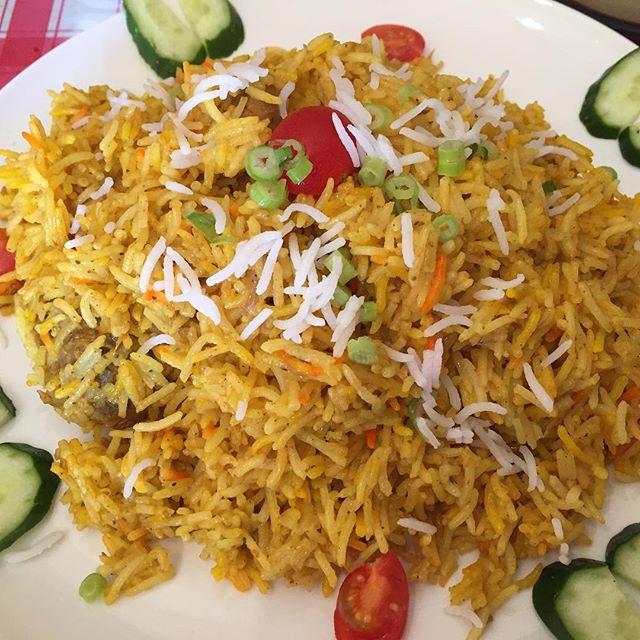 今日から蕨でお仕事。お昼は近くのインド料理屋でチキンビリヤニ