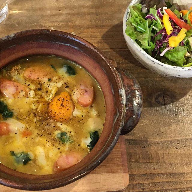 今日のお昼はラムズイヤーさんでチーズカレーリゾット。 in the 月下陶房さんの土鍋。
