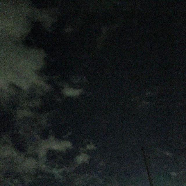 雲は多め。 でも、店終わりに車に荷物を積む間に、流れ星を3っつ。 願う間も無し。