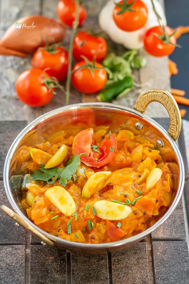 close up shot of tomato gujju