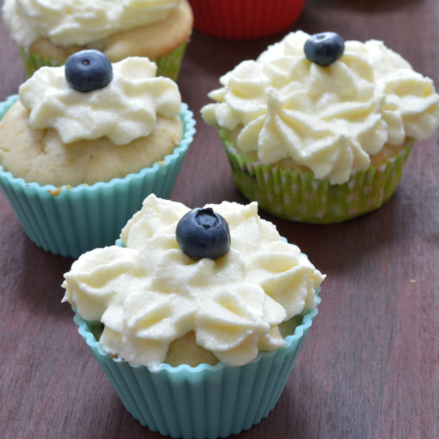 Blueberry Cupcakes With Cream Cheese Frosting V8