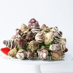 Easy Chocolate Dipped Strawberries Recipe bouquet
