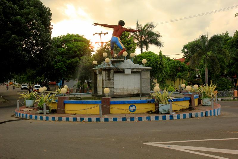 Pengiriman Barang Jakarta-Dompu murah