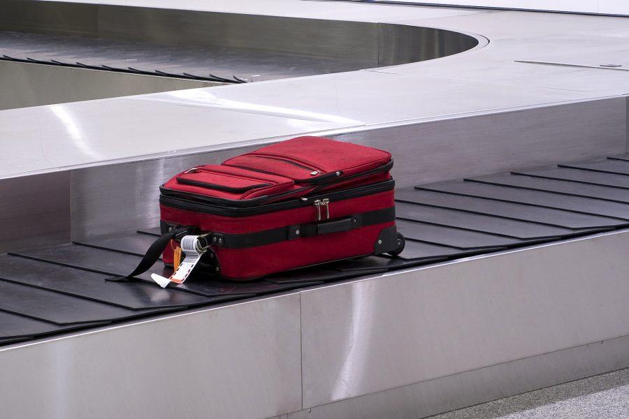 Cara mengambil barang di bagasi pesawat dengan mudah