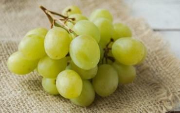 Mascarilla de uva para el acné