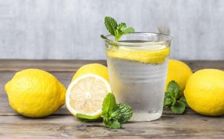 Beneficios De Tomar Agua Con Limón Todos Los Días