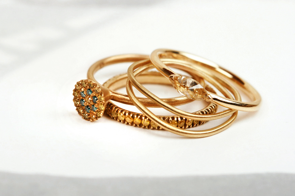 Mix of yellow gold and diamonds rings